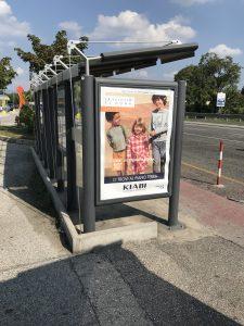 Pannelli esterni al Città Fiera fermata dei bus